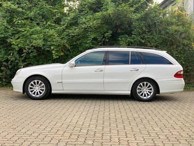 Mercedes-BenzE 320