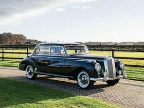 MERCEDES-BENZ 300 C Limousine Adenauer