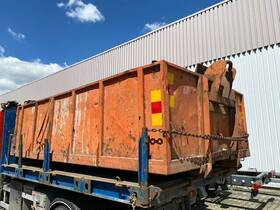 - Abrollcontainer ca. 9,5m³