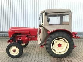 PORSCHE Traktor, Standard