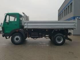 MERCEDES-BENZ SK 1625 V8