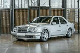MERCEDES-BENZ E 500 E Limited