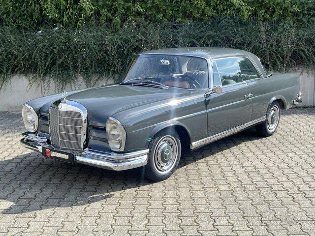 Mercedes-Benz220