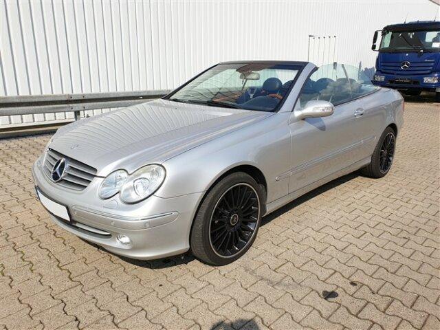Mercedes-BenzCLK 320
