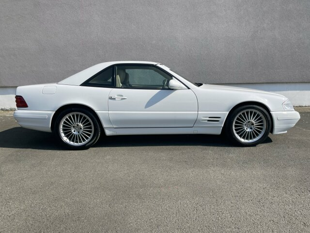Mercedes-BenzSL 500